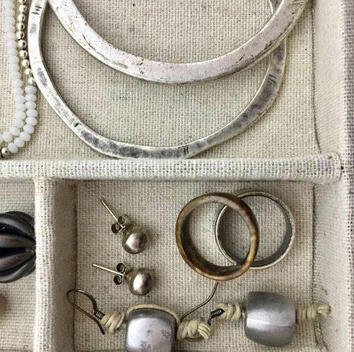 decluttering di gioielli e bijoux